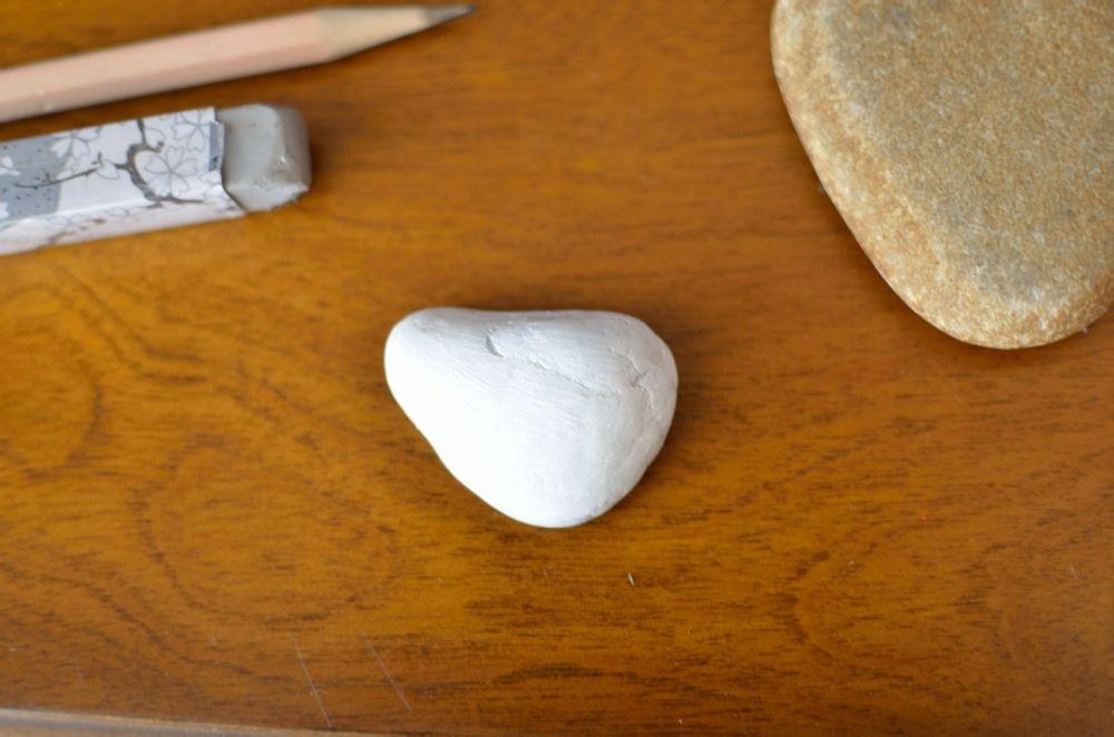 上底色-可爱的小鸡仔石头彩绘教程